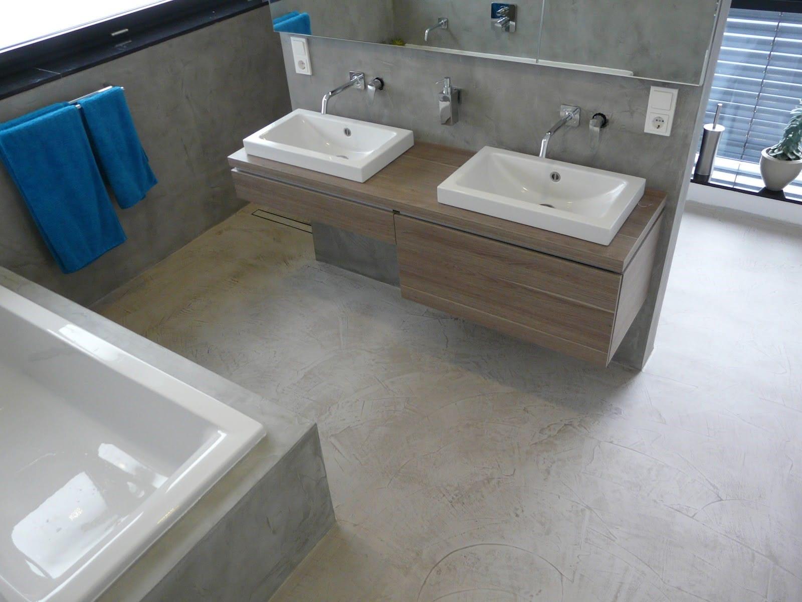 microcement grijs badkamer